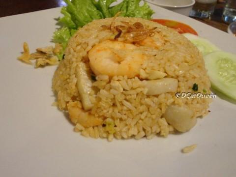 nasi goreng tomyam hasil masak 2 jam ;p