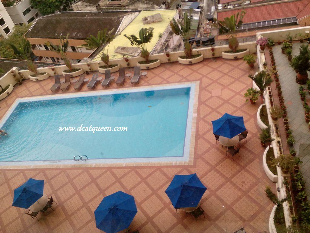 kolam renang soleil hotel