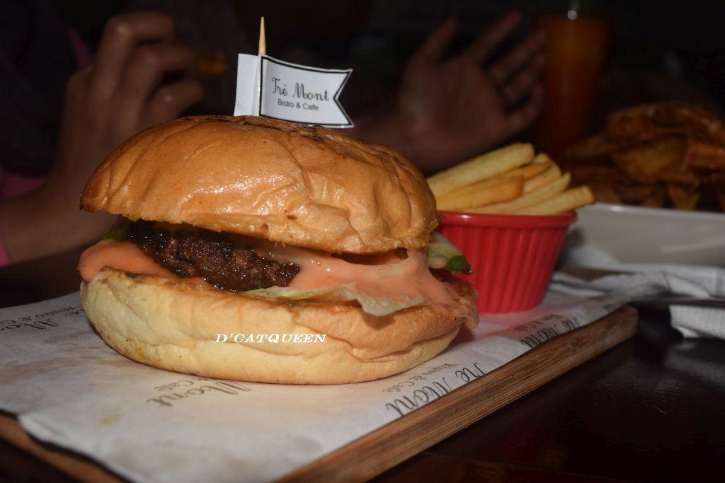 burger tremont cafe