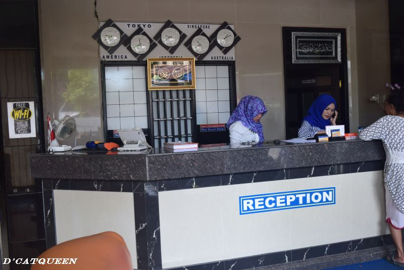 resepsionis hotel cn darussalam