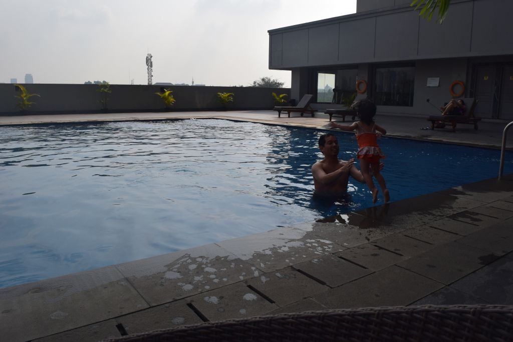 pool royal kuningan hotel