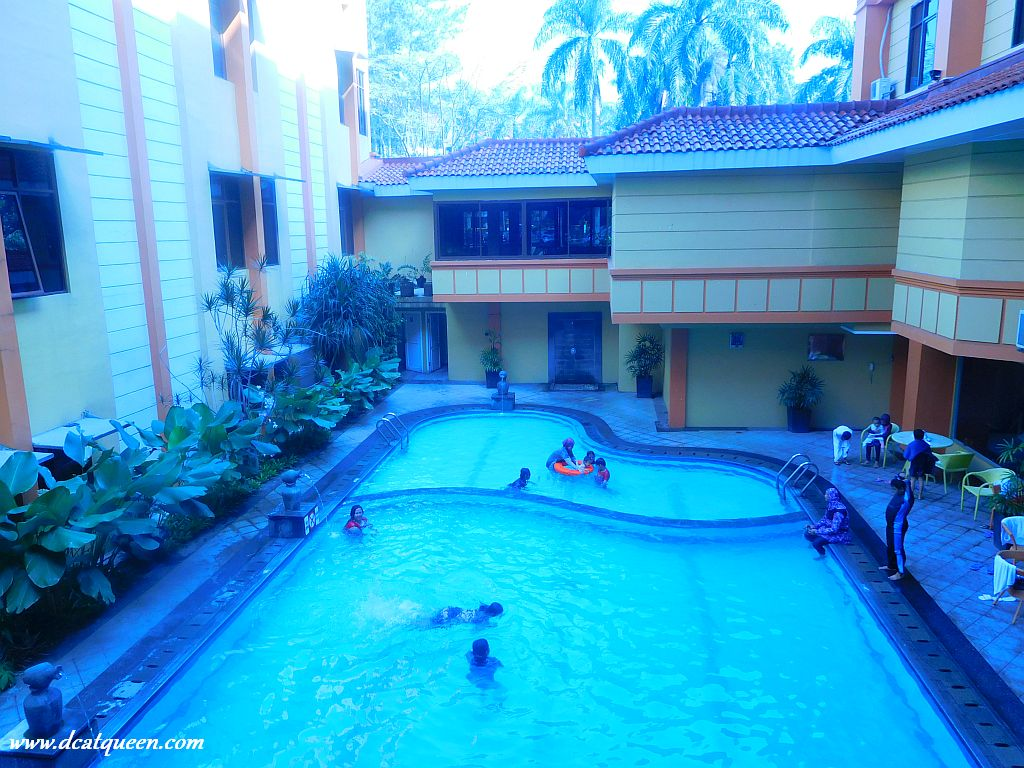 swimming pool garden permata
