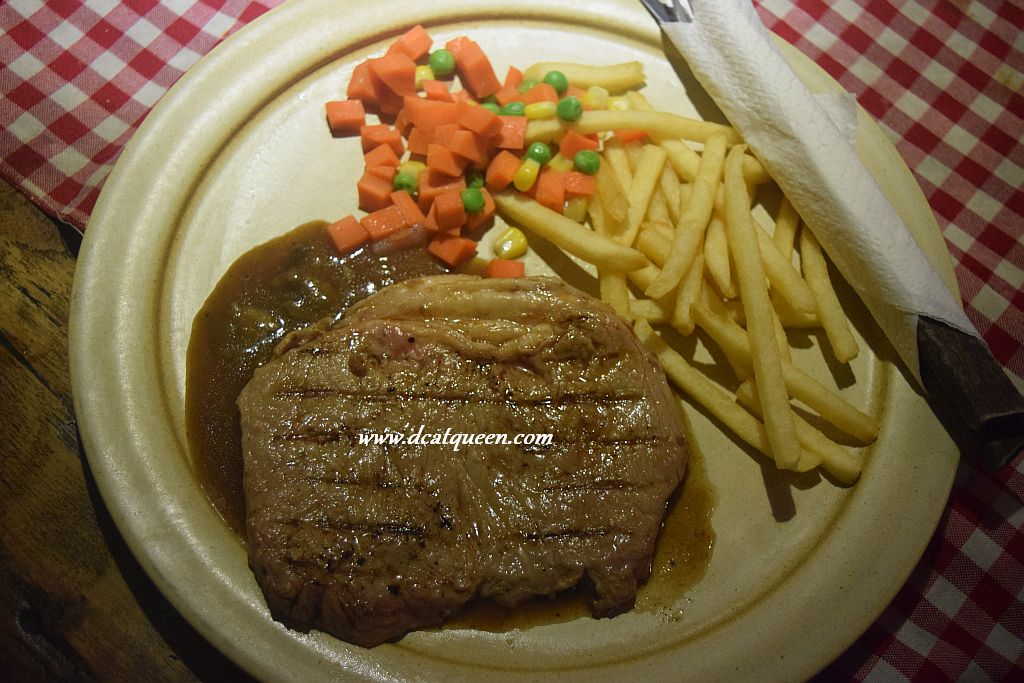 sirloin steak suis butcher