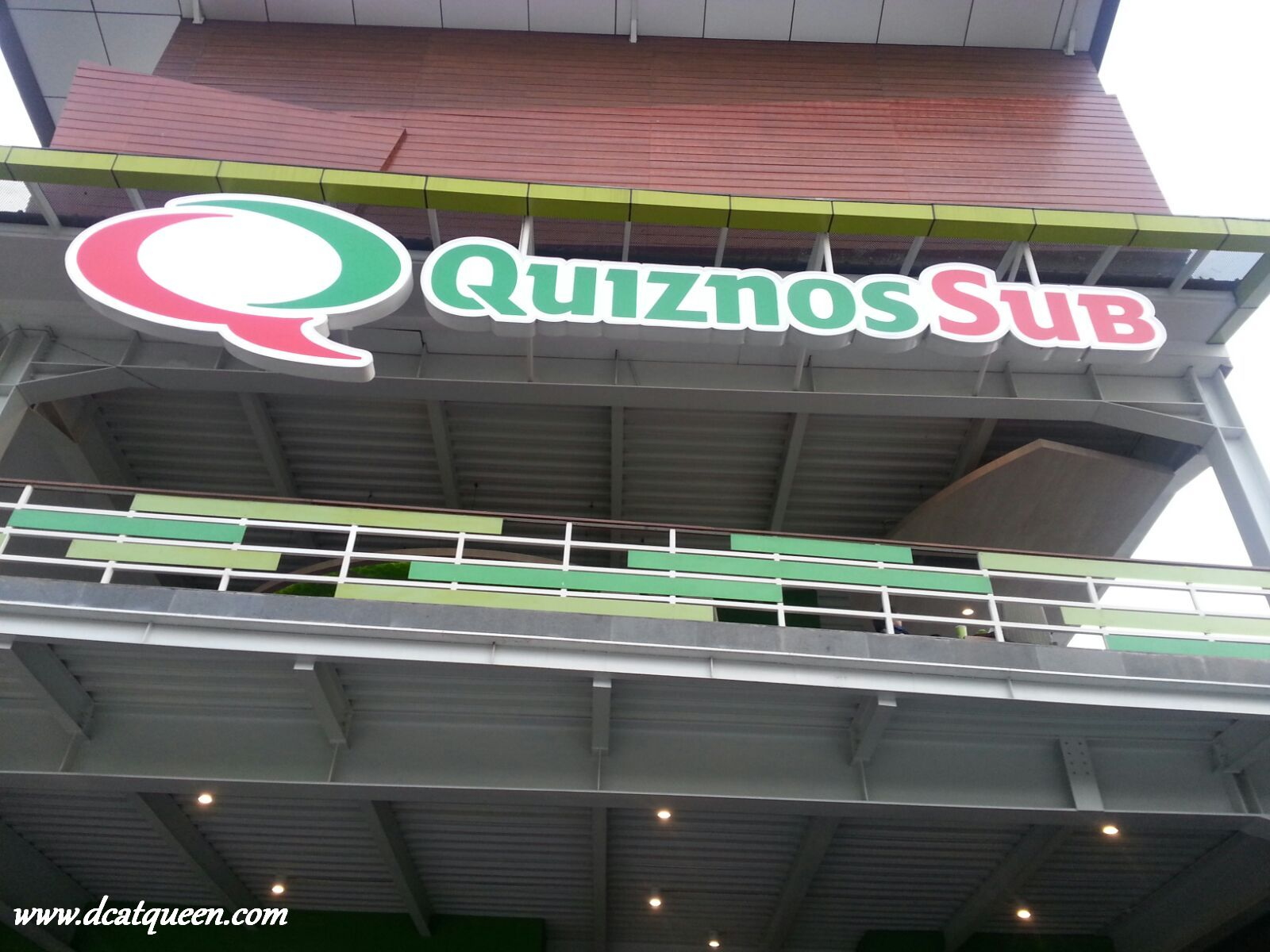 quiznos sub rawamangun