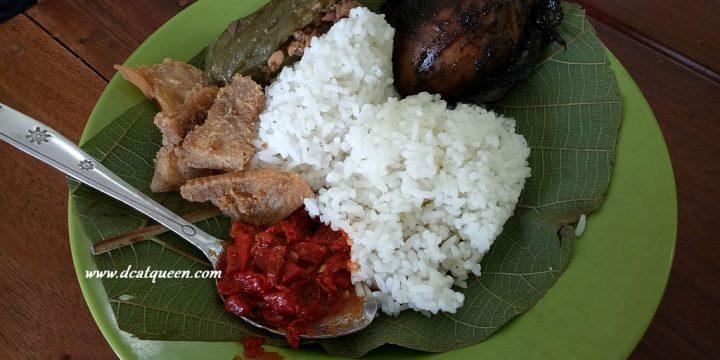 Nasi Jamblang Ibu Nur Cirebon Nasi Jamblang Makanan Khas