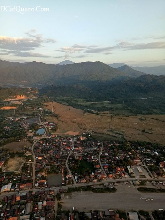 hot air balloon vang vieng