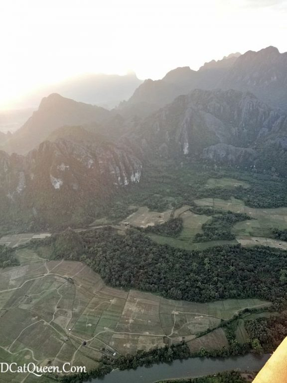 balon udara, hot air balloon vang vieng