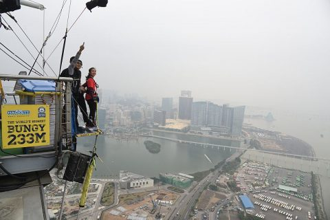 MACAO TOWER BUNGY JUMPING