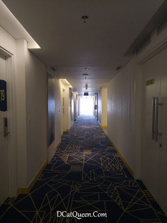yello hotel harmoni review
