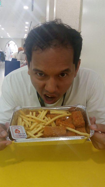 makan apa di arab, mencoba kuliner arab di tanahsuci, kuliner arab di mekkah, albaik chicken arab di mekkah