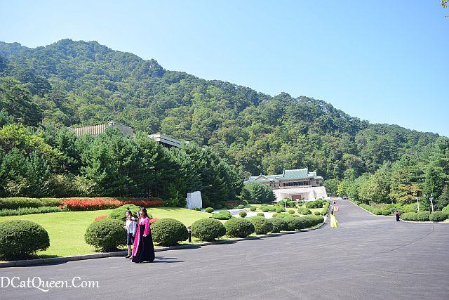 wisata korea utara, international friendship exhibition, museum hadiah dari banyak negara untuk korea utara, presiden kim il sung, pohyon budhis temple