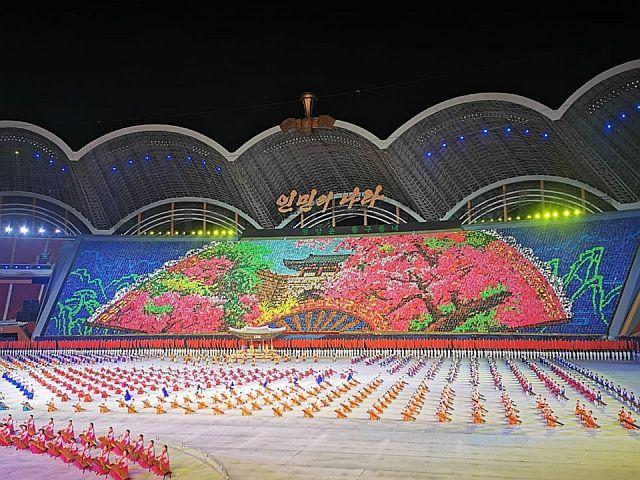 mass games korea utara, acara olahraga koreautara, pertunjukan megah mass games korea utara, event di korea utara wajib tonton, wisata korea utara, tiket masuk mass games korea utara, waktu diadakan mass games di korea utara, lokasi mass games