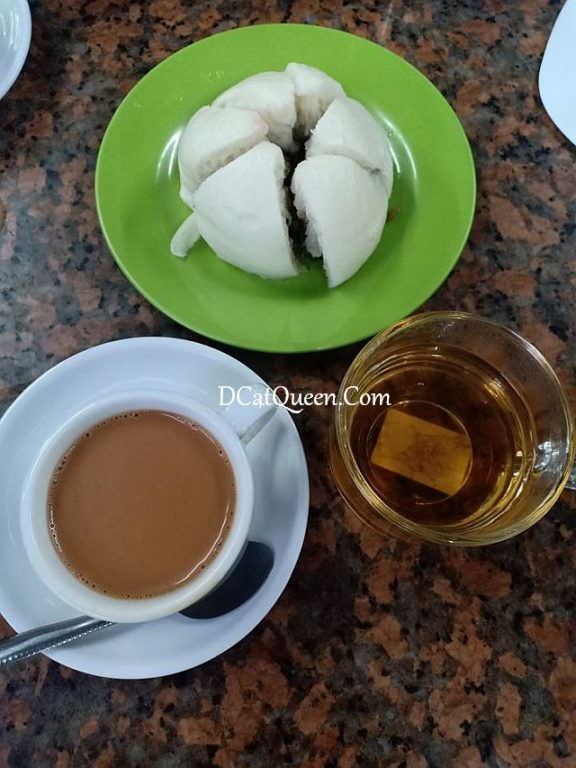 bakpao ayam dan myanmar milk tea